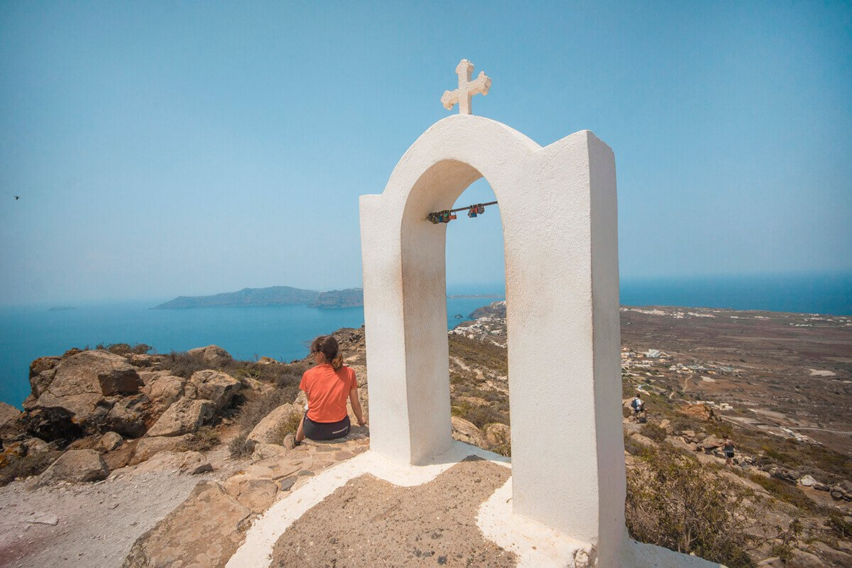 Hike+From+Fira+To+Oia+In+Santorini:+Everything+You+Need+To+Know