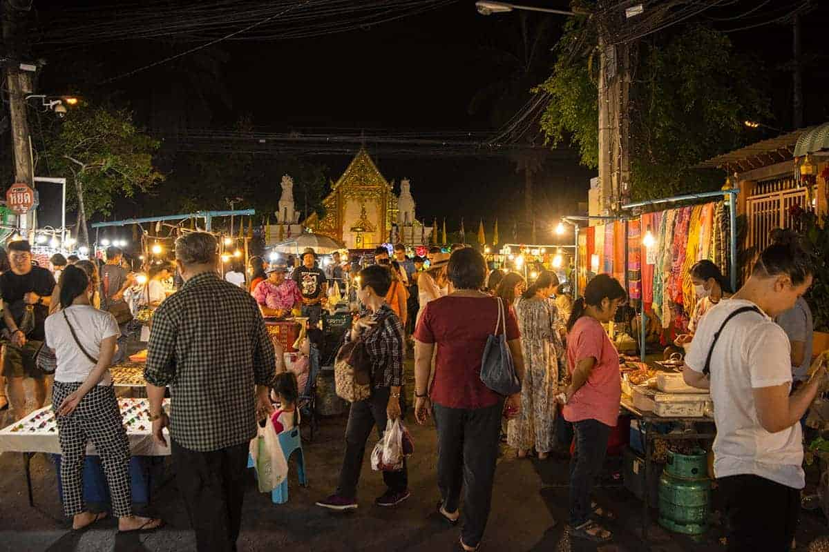 walking around the 3 days in chiang mai itinerary night market